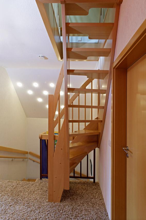 raumspartreppen tegethoff treppenbau in paderborn. Black Bedroom Furniture Sets. Home Design Ideas